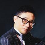 NHK-FM「弾き語りフォーユー」でご存じマルチピアニストの小原孝先生がいよいよご登場!「ピアノ講師ラボ」2020年6月号